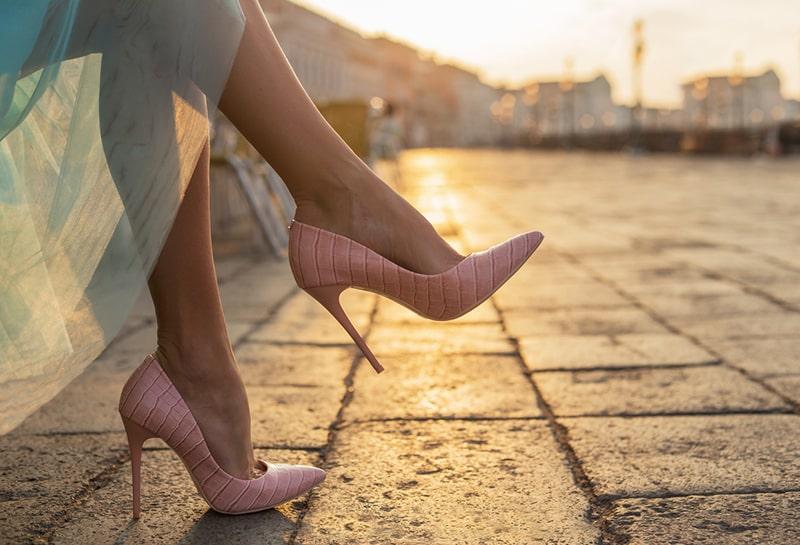 Đi giày cao gót lâu sẽ ảnh hưởng đến khả năng sinh sản
