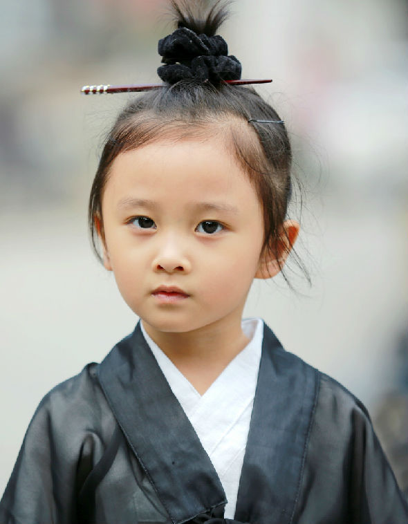 Cô bé đạo sĩ dễ thương nhất Trung Quốc 1