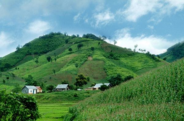 Cao nguyên Đắk Lắk hay còn gọi là cao nguyên Buôn Ma Thuột