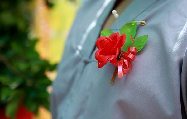 Ý nghĩa của bông hồng cài áo trong ngày lễ Vu Lan