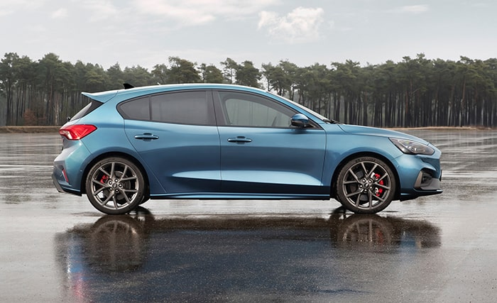 Ford Focus ST đã có những thay đổi so với Focus thông thường