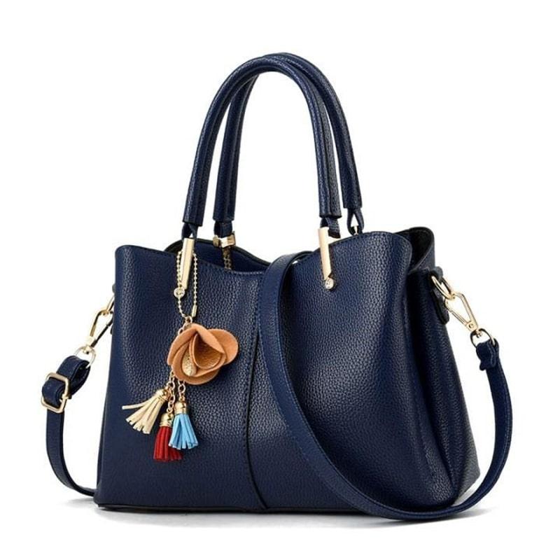 Túi xách là món đồ cần thiết đối với phần đông phụ nữ